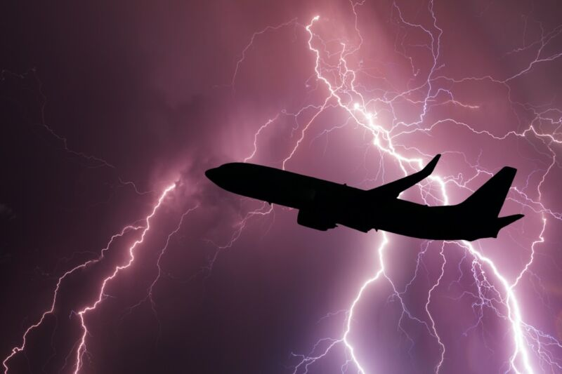 """Photo of How """"St. Elmos fire"""" could help protect aircraft from lightning strikes"""