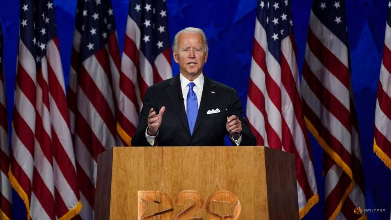 Photo of Biden pledges to end US 'darkness' in accepting Democratic nomination