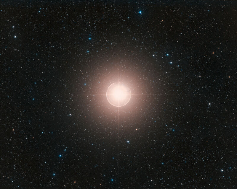 Photo of Astronomers kill all the fun, blame dust for Betelgeuses dimming