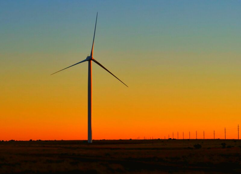 Photo of Nine gigawatts of wind turbines were added last year in the US