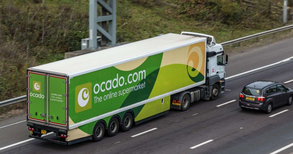 Photo of FTSE 100 closes ahead with Ocado top of the pile after successful M&S switch