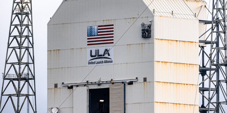 Photo of Delta IV Heavy rocket delayed again, raising concerns of aging infrastructure