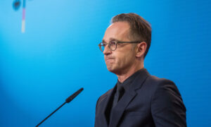 Photo of Germany Ups Pressure on Russia in Navalny Poisoning Probe