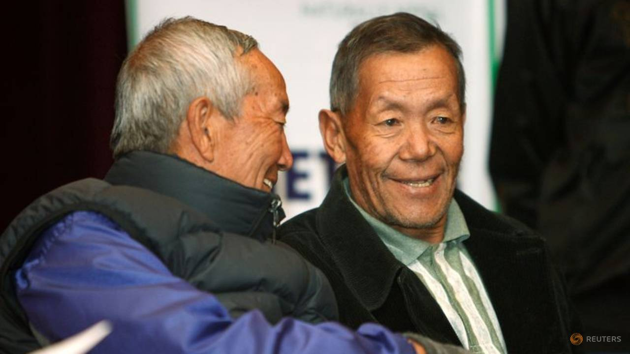 Photo of Nepal's Ang Rita Sherpa, first to climb Mount Everest 10 times, dies