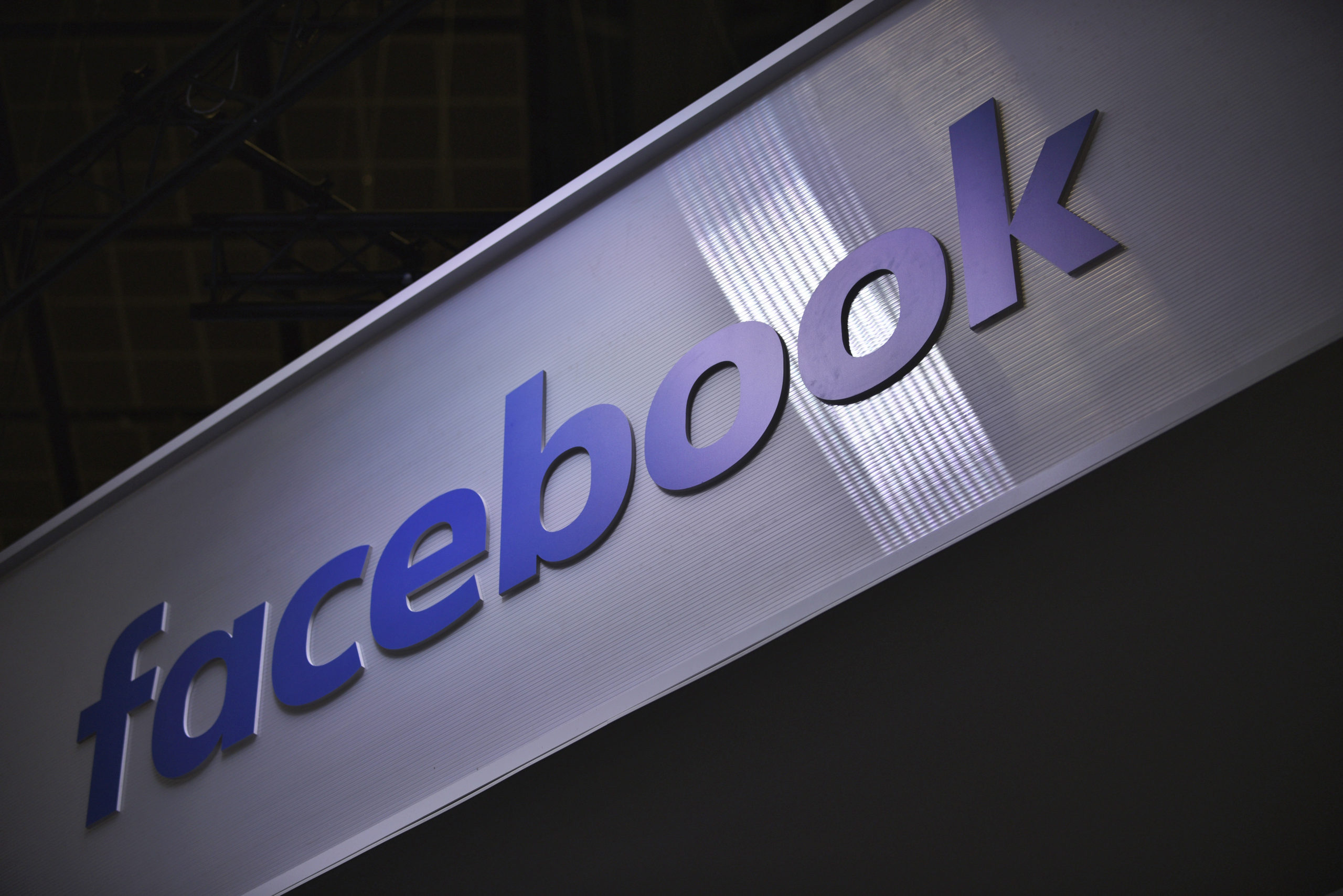 Photo of Facebook threatens to bar Australians from sharing news over proposed law