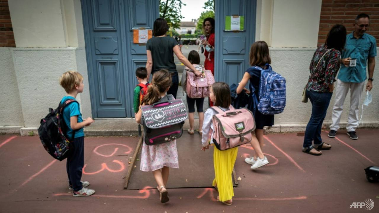 Photo of European children return to school amid COVID-19 fears