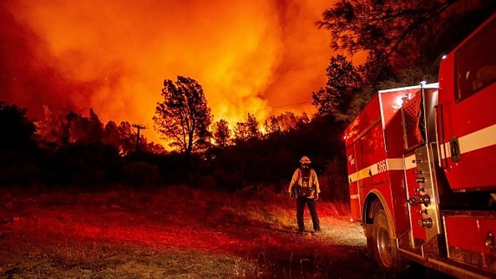 Photo of US wildfires fuelled by climate change, California governor says