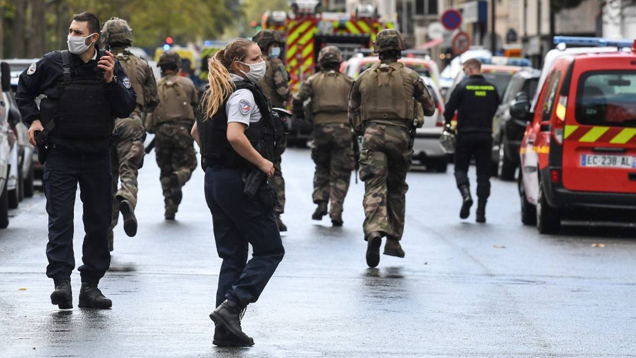 Photo of Four stabbed in Paris attack, suspect arrested: Officials