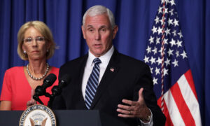 Photo of Pence Says He Doesnt Recall Being Put on Standby During Trump Hospital Visit