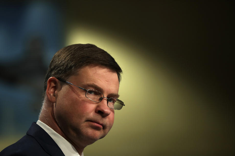 Photo of 5 things to know about Valdis Dombrovskis