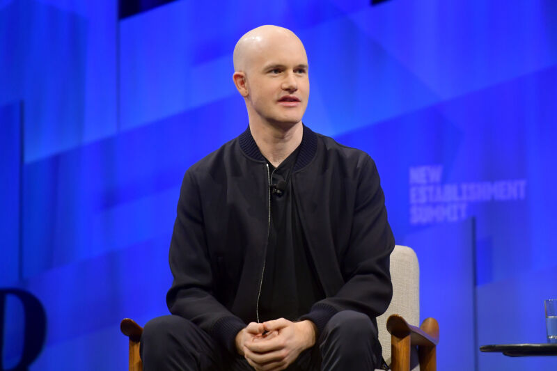 Photo of Coinbase doubles down on anti-politics stance with exit package offer