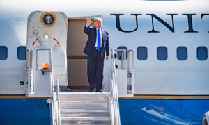 Photo of Trump Suggests He'll Step In if GOP Opposes Multi-Trillion-Dollar Stimulus Deal