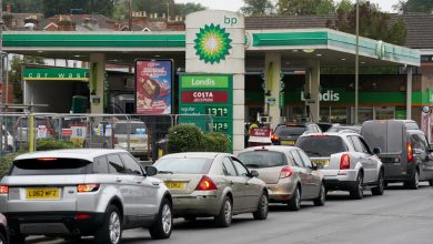 Photo of Petrol crisis: Soldiers delivering fuel TODAY as London still gridlocked by shortage